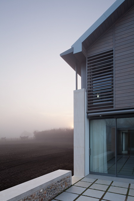 Living architecture the long house hopkins architects for Architects norfolk
